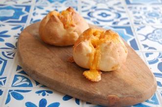 ゴロゴロチーズのパン