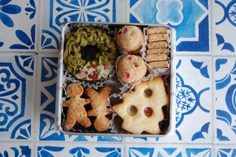 クリスマスクッキー缶レッスン、始まりました。