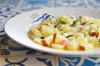 鯛とリンゴのサラダ