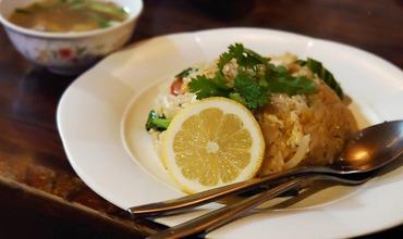 ランチはタイ料理