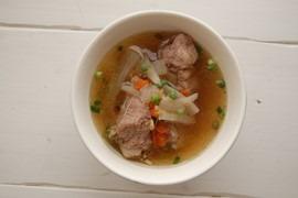 スペアリブと大根の塩スープ